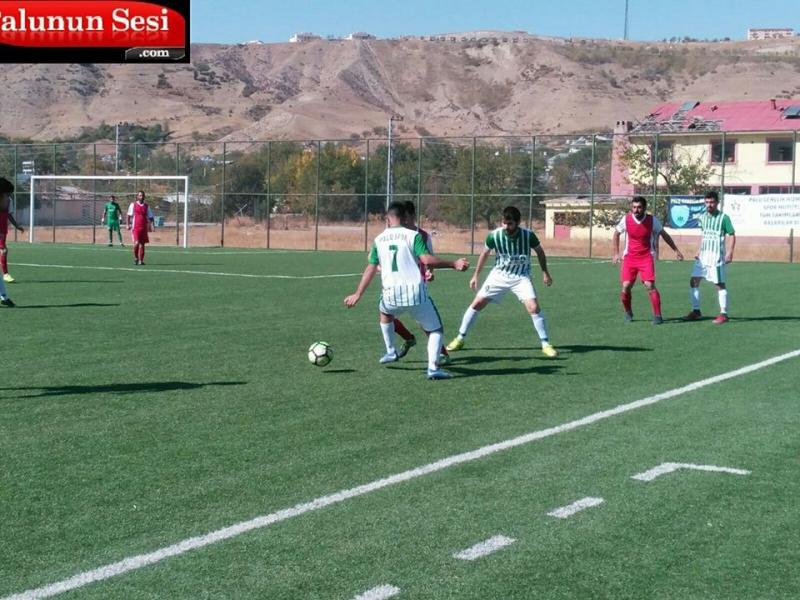 İlk golü 10. dakikada Mehmet Bayuncuk atıp Palusporu 1-0 öne geçirdi. Daha sonra Hicret gençlik spor 23. dakikada Oktayla beraberliğe kavuştu.
