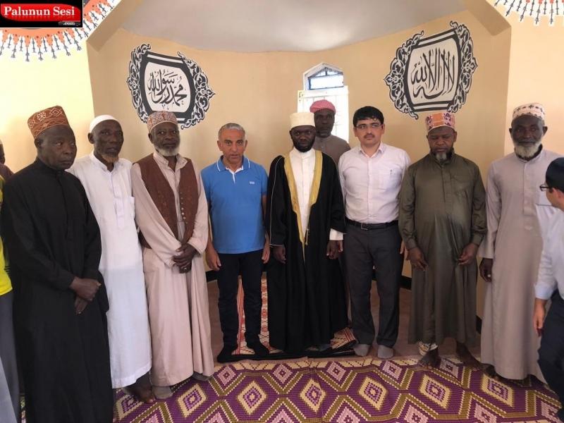 Uluslar arası Yardımlaşma Vakfı İh-da Uganda`da yaptırdığı Hz. Hamza Camiinin açılışını gerçekleştirdi.