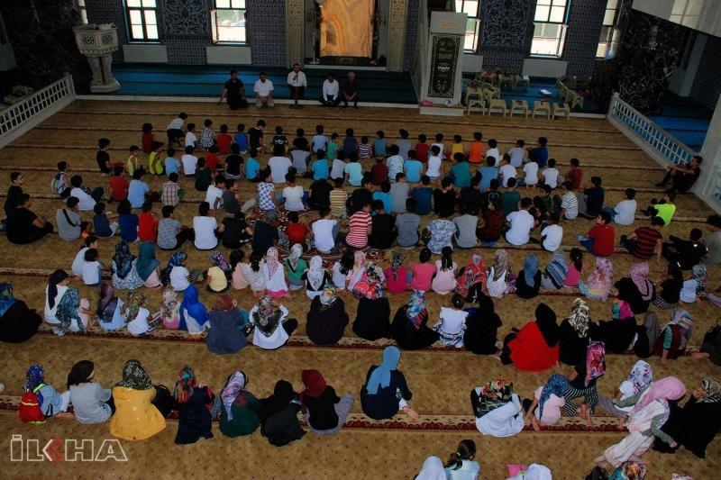 Aileler ve çocuklar camide buluştu