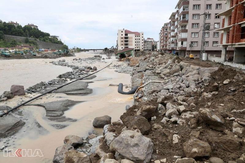 Artvin'de selin bilançosu: 1 kişi kayıp, 39 yapı yıkıldı, 1459'u hasar aldı