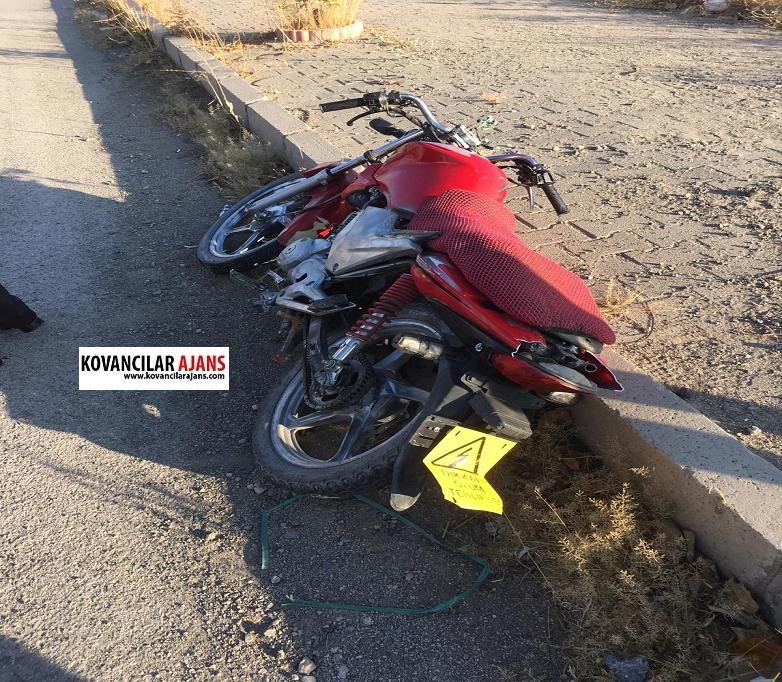 Çalıntı Motosiklet ile kaza yaptı olay yerinden kaçtı