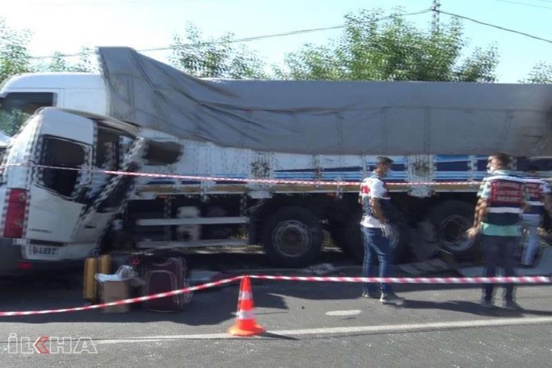 Elazığ-Bingöl kara yolunda feci kaza: 3 ölü, 10 yaralı