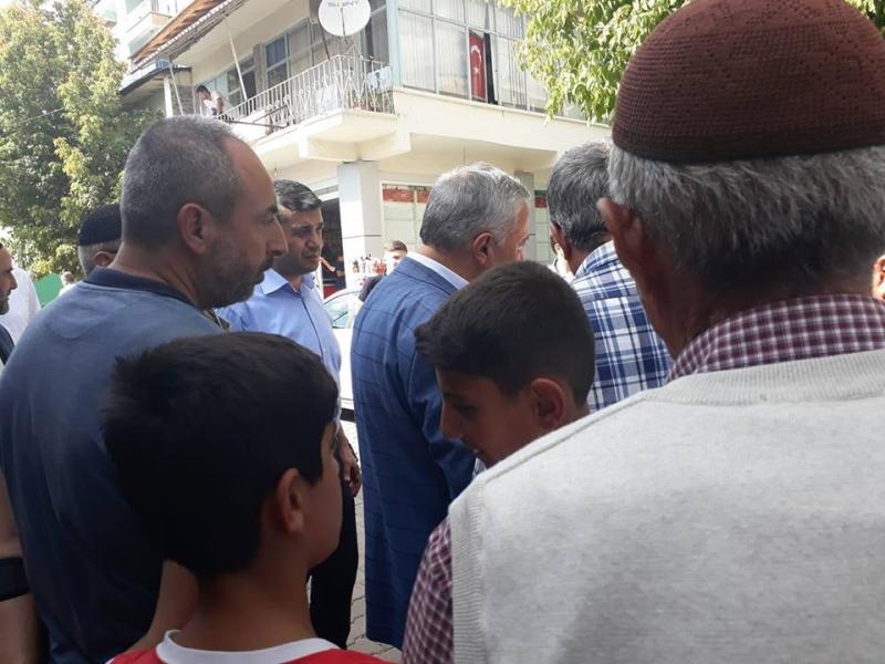 Elazığ Milletvekili Zülfü Demirbağ İle Palu Halkı Arasında Gerginlik Kameramıza Yansıdı