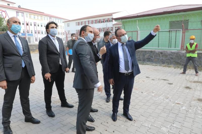 Elazığ Valisi Hasar Gören Binaların Yıkım İşlemlerini Yerinde İnceledi