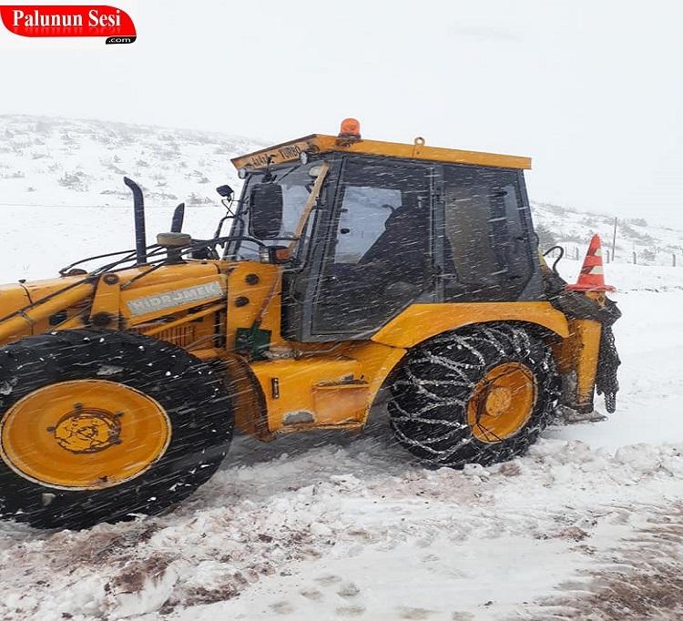 Elazığ ve Bingöl`de 428 köy yolu ulaşıma kapandı