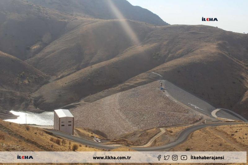 Elazığ`a içme suyu sağlayan Hamzabey Barajı'nın suları kuraklık nedeniyle tükendi