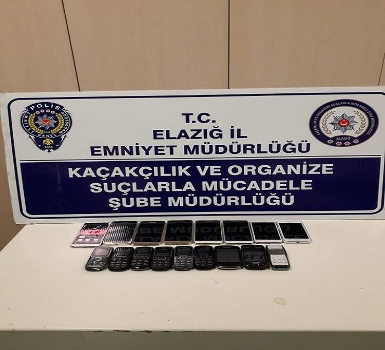 Elazığ`da Kaçak Cep Telefonu Yakalandı