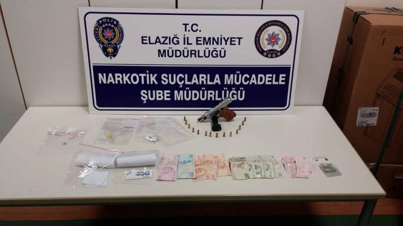 Elazığ`da Uyuşturucu Satıcılarına Operasyon: 2 Gözaltı