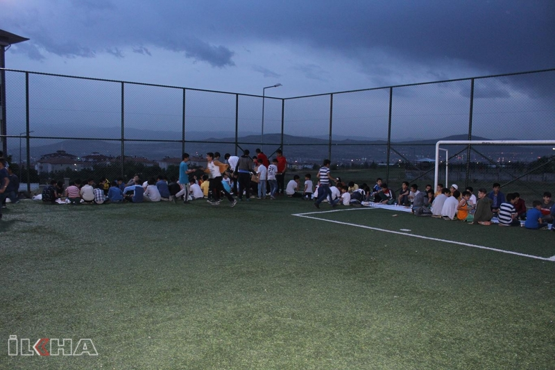 Gençlerin Ramazan heyecanı-VİDEO
