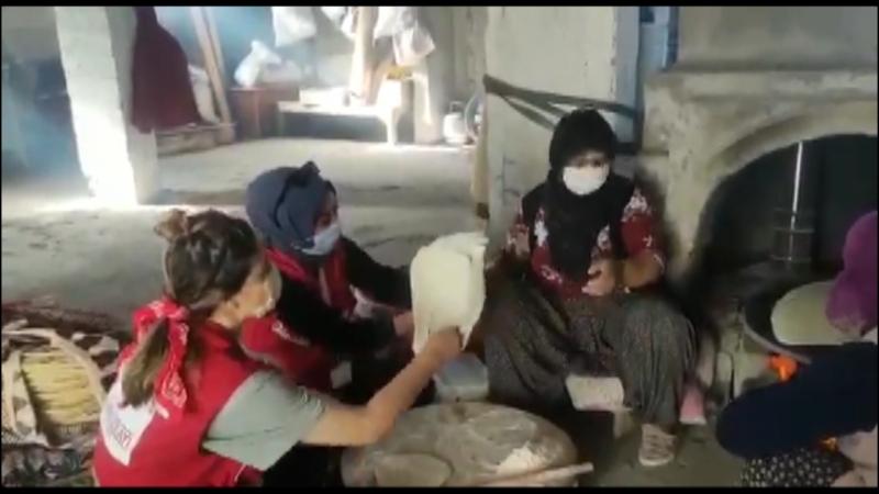 Kovancılar Kızılay Gençlik Ev Ekmeği Yapıp Dağıttı