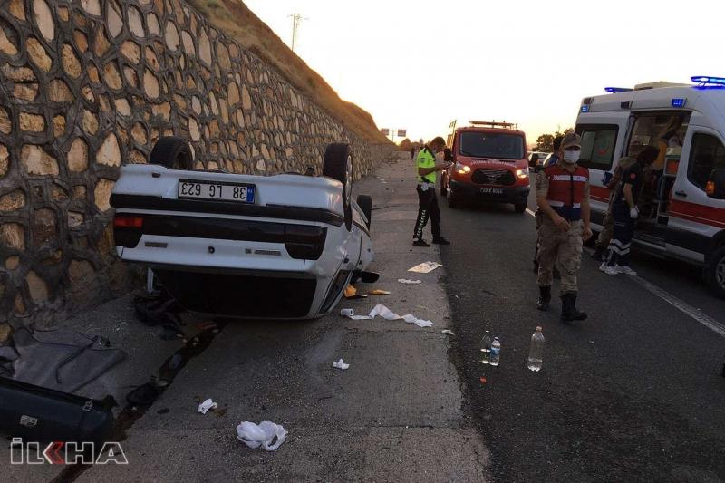 Kovancılar`da Virajı alamayan otomobil takla attı: 2'si çocuk 5 yaralı