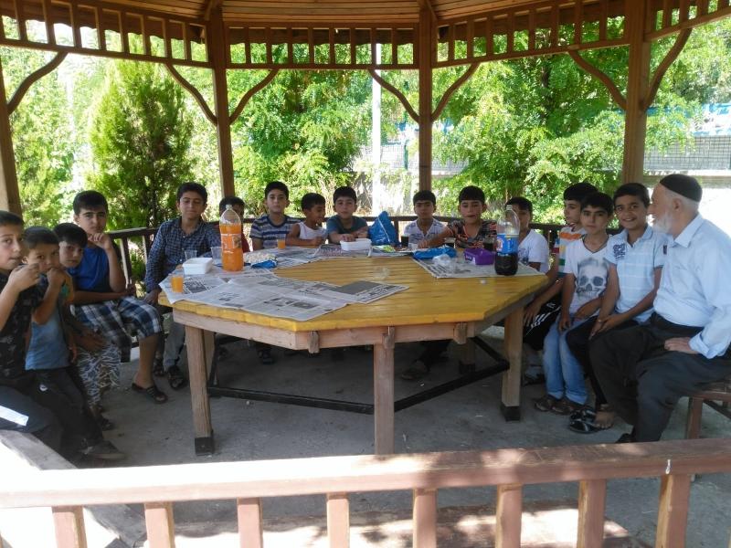 Metem Cami Çocukları piknikte bir araya geldi.