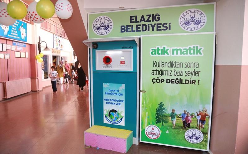 ÖĞRENCİLER İÇİN 'ATIK MATİK' KURULDU