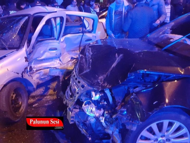 Palu`da Feci Kaza: 5 Yaralı