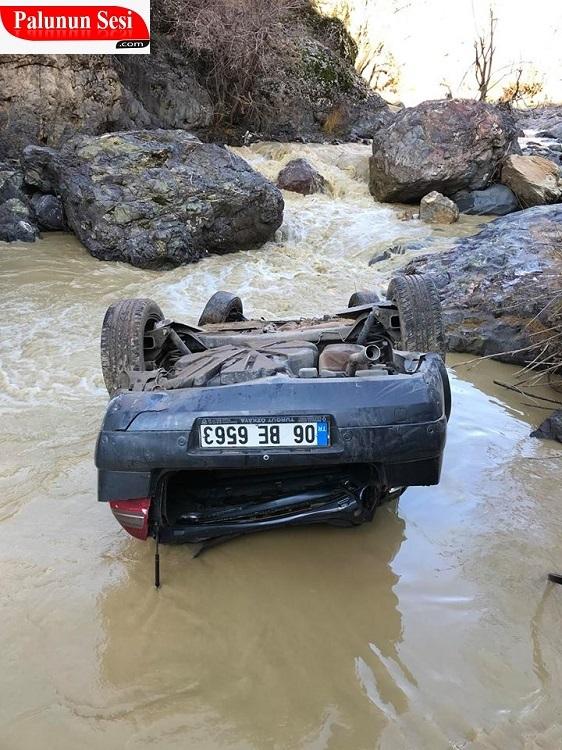 Palu`da Otomobil 150 Metreden Dereye Uçtu: 1 Yaralı