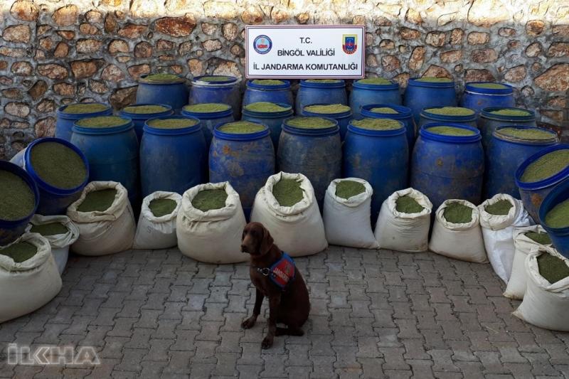 PKK'ye ait bir ton 240 kilo esrar ele geçirildi