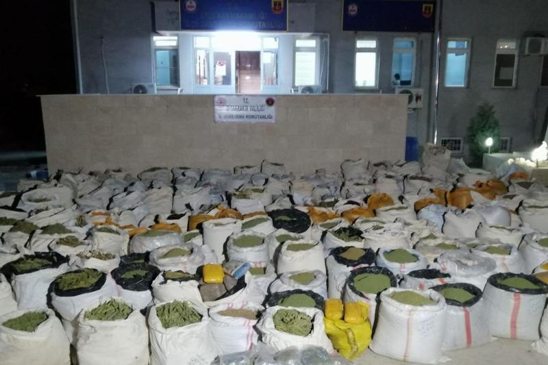 PKK'ye yönelik operasyonda 5 ton esrar ele geçirildi