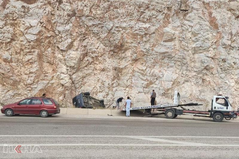 Virajı alamayan otomobil takla attı-VİDEO